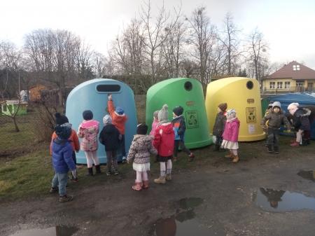 Motylki segregują śmieci i odpady